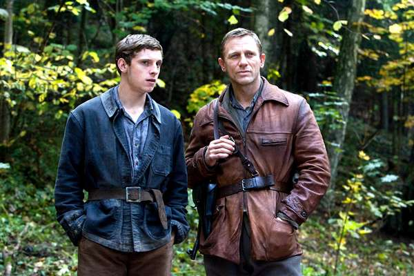 Defiance: DEFIANCE, from left: Jamie Bell, Daniel Craig, 2008. ©Paramount Vantage/Courtesy Everett Collection