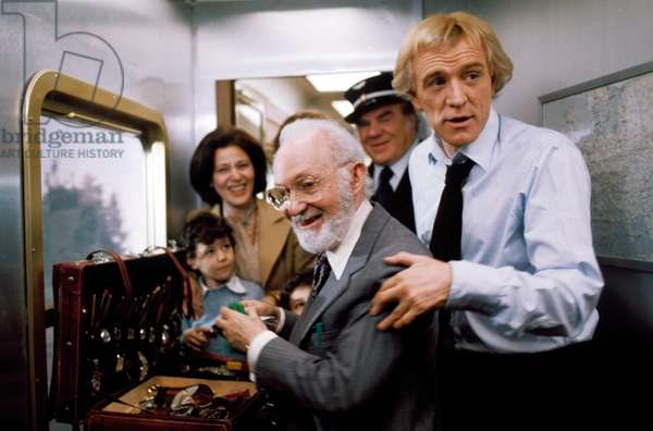 THE CASSANDRA CROSSING, front from left: Lee Strasberg, Richard Harris, Lionel Stander (rear right), 1976