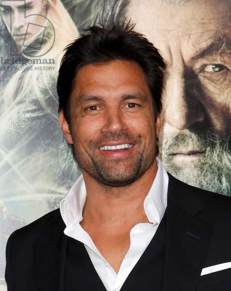Manu Bennett at arrivals for THE HOBBIT: THE DESOLATION OF SMAUG Premiere, Dolby Theater, Los Angeles, CA December 2, 2013. Photo By: Emiley Schweich/Everett Collection