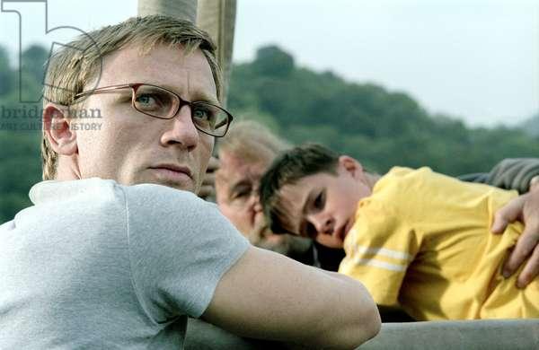 ENDURING LOVE, Daniel Craig, Aoife/Rory Carroll, 2004, (c) Paramount Classics/courtesy Everett Collection