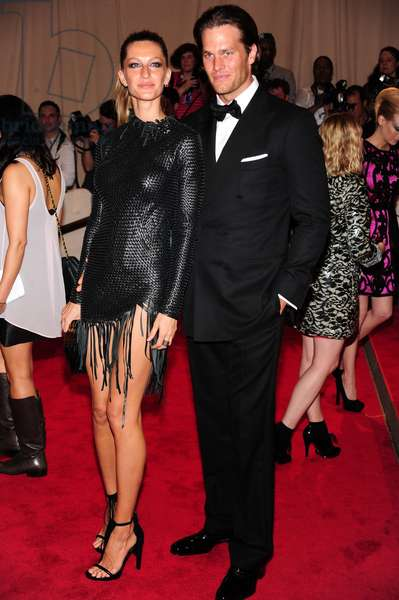 Gisele Bundchen (in Alexander Wang), Tom Brady (in Tom Ford) at arrivals for Part 2 - American Woman: Fashioning a National Identity Benefit Gala Co-Hosted by GAP for the Costume Institute, The Metropolitan Museum of Art, New York, NY May 3, 2010. Photo By: Gregorio T. Binuya/Everett Collection