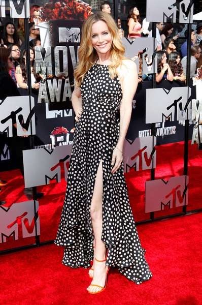 Leslie Mann (wearing a dress by Juan Carlos Obando) at arrivals for 2014 MTV Movie Awards - Arrivals 1, Nokia Theatre L.A. LIVE, Los Angeles, CA April 13, 2014. Photo By: Emiley Schweich/Everett Collection
