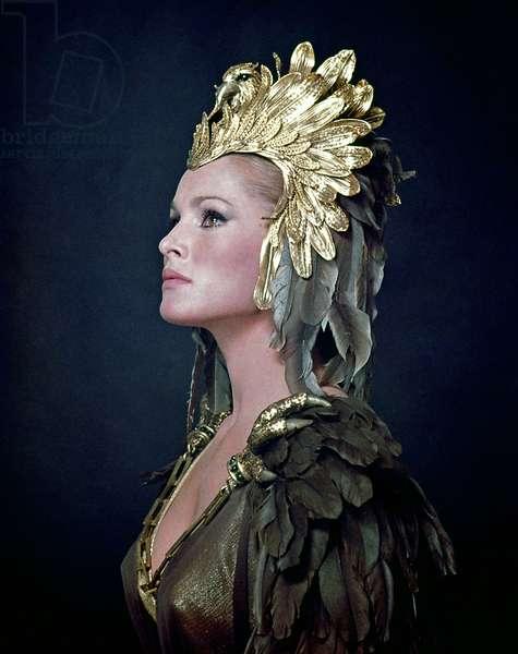 SHE, Ursula Andress, 1965