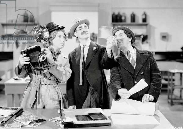 THE BIG STORE, Harpo Marx, Groucho Marx, Chico Marx, 1941
