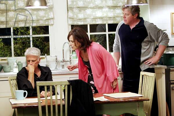 HELP ME HELP YOU, Ted Danson, Jane Kaczmarek, Tom Wilson, 'Pilot', (Season 1), 2006. photo: Richard Cartwright / © ABC / Courtesy: Everett Collection