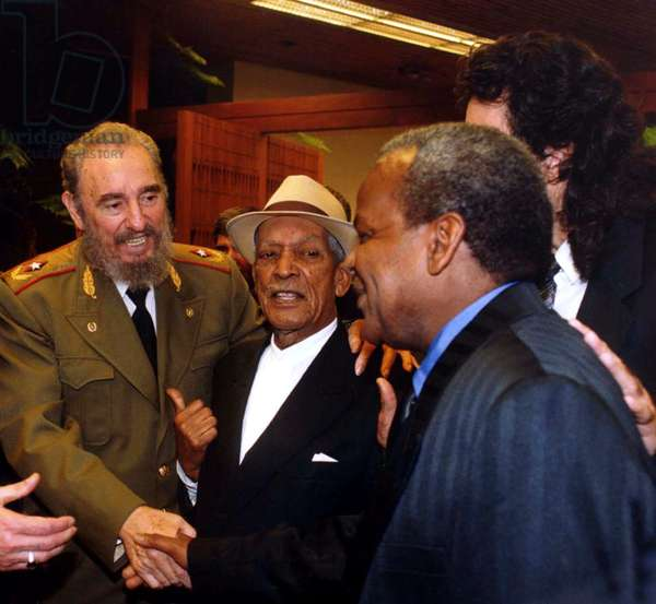 FIDEL, Fidel Castro, Compay Segundo, 2001, (c) First Run Features/courtesy Everett Collection