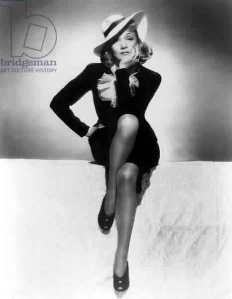 MANPOWER, Marlene Dietrich, 1941