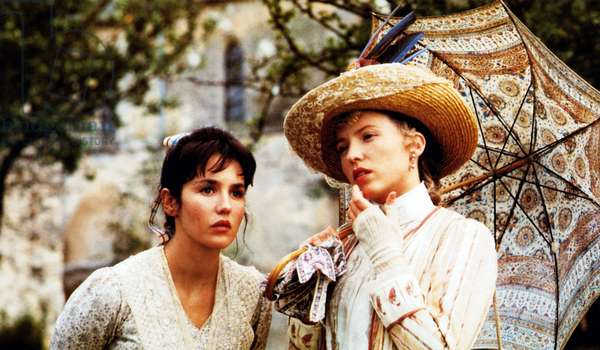 Camille Claudel: CAMILLE CLAUDEL, from left: Isabelle Adjani as Camille Claudel, Madeleine Robinson, 1988, © Orion/courtesy Everett Collection