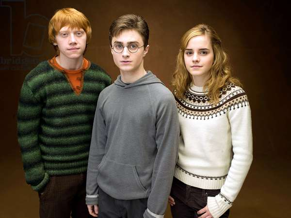 HARRY POTTER AND THE ORDER OF THE PHOENIX, from left: Rupert Grint, Daniel Radcliffe, Emma Watson, 2007. ©Warner Bros./Courtesy Everett Collection
