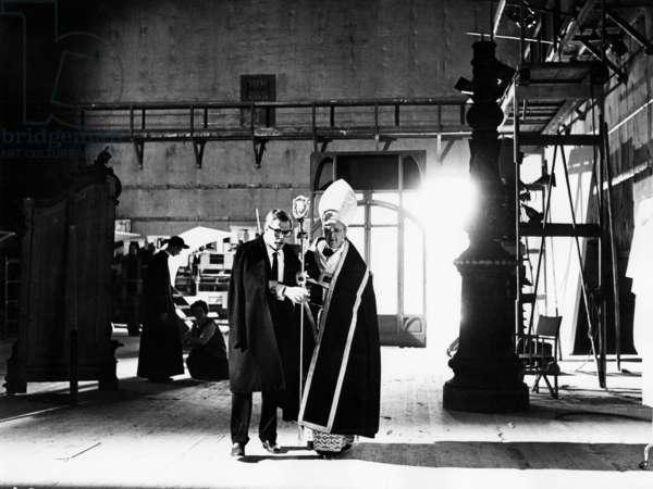 8 1/2, Marcello Mastroianni (foreground left), 1963