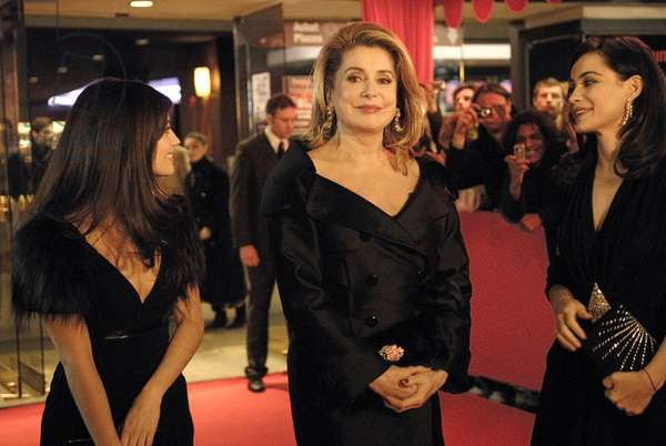 MES STARS ET MOI, Catherine Deneuve (center), 2008.