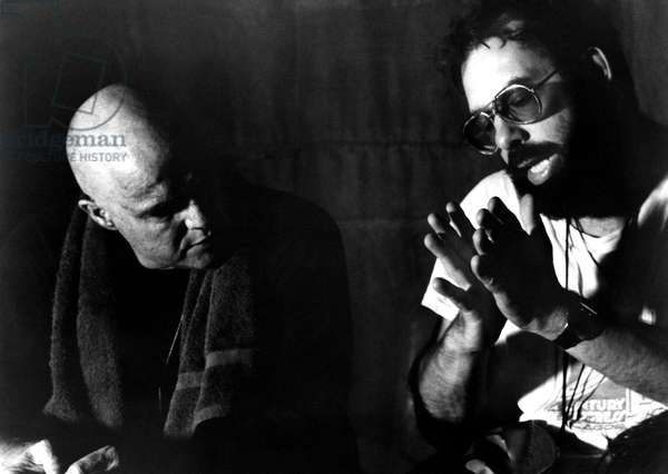 HEARTS OF DARKNESS: A FILMMAKER'S APOCALYPSE, MARLON BRANDO listens to director FRANCIS FORD COPPOLA during production of APOCALYPSE NOW, 1979, documentary released 1991