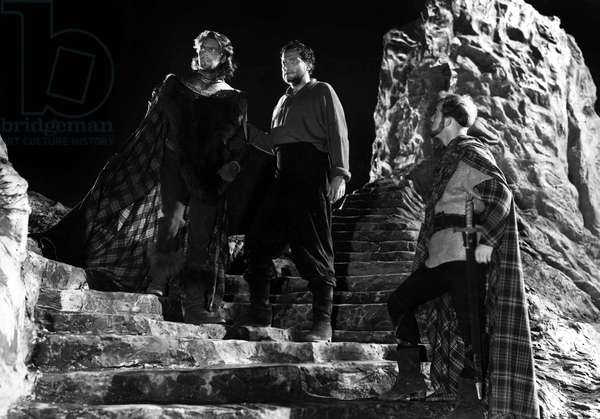 MacBeth (1948): MACBETH, Orson Welles (center), 1948