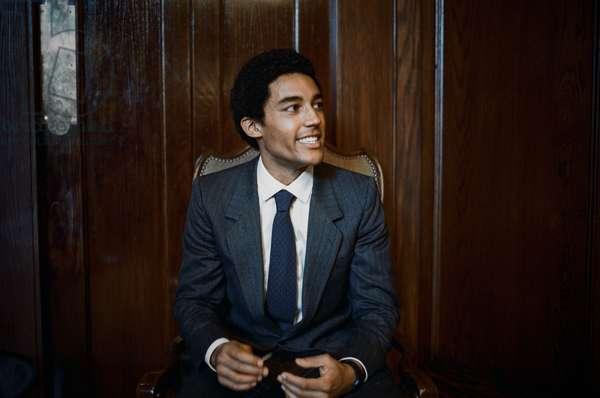 BARRY, Devon Terrell, as Barack Obama, 2016. ph: Linda Kallerus /© Netflix /Courtesy Everett Collection