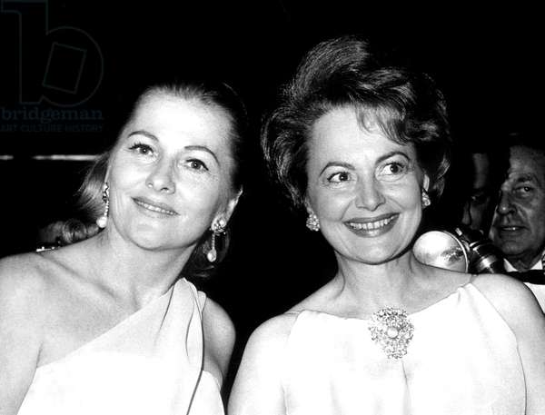 Sisters JOAN FONTAINE and OLIVIA DE HAVILLAND at Marlene Dietrich's Broadway one-woman show, 1967