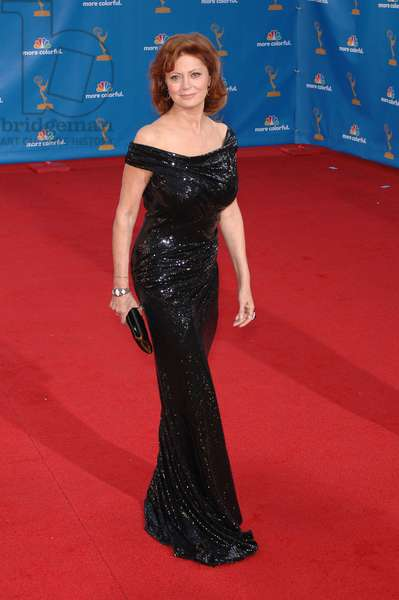 Susan Sarandon (wearing Donna Karan gown, Ippolita and Anita Ko jewelry) at arrivals for Academy of Television Arts & Sciences 62nd Primetime Emmy Awards - ARRIVALS, Nokia Theater, Los Angeles, CA August 29, 2010. Photo By: Michael Germana/Everett Collection
