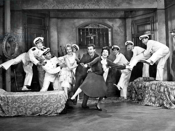 WONDERFUL TOWN, Jacquelyn McKeever, Sydney Chaplin, Rosalind Russell, 1958
