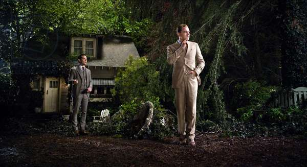 Gatsby le magnifique: THE GREAT GATSBY, from left: Tobey Maguire, Leonardo DiCaprio as Jay Gatsby, 2013. ©Warner Bros. Pictures/courtesy Everett Collection