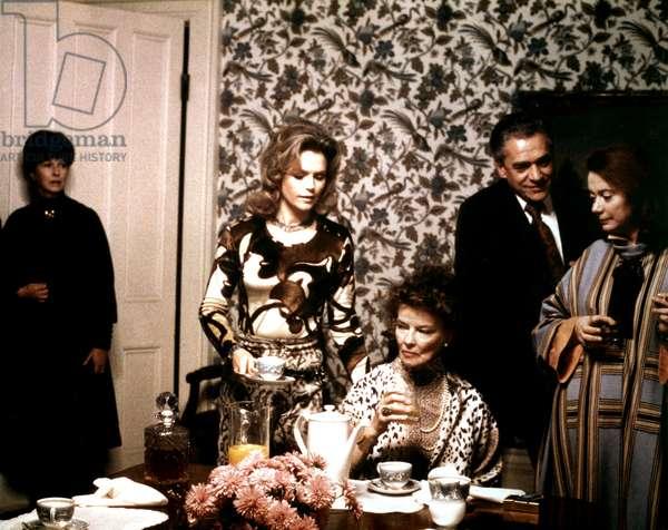 A DELICATE BALANCE, Betsy Blair, Lee Remick, Katharine Hepburn, Paul Scofield, Kate Reid, 1973