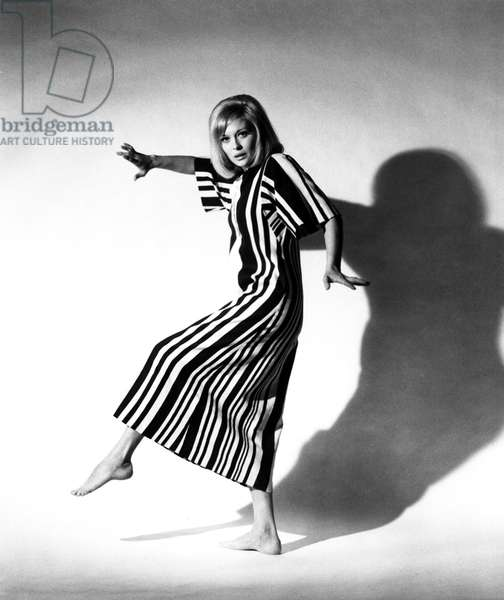 FAYE DUNAWAY, portrait c. 1960s