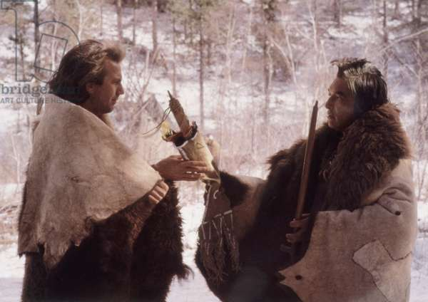 DANCES WITH WOLVES, Kevin Costner, Graham Greene, 1990. (c) Orion Pictures/ Courtesy: Everett Collection.