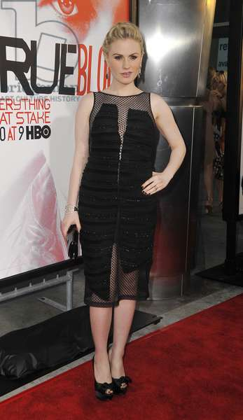 Anna Paquin: Anna Paquin (wearing a Rachel Comey dress) at arrivals for TRUE BLOOD Season 5 Premiere, Cinerama Dome at The Arclight Hollywood, Los Angeles, CA May 30, 2012. Photo By: Dee Cercone/Everett Collection