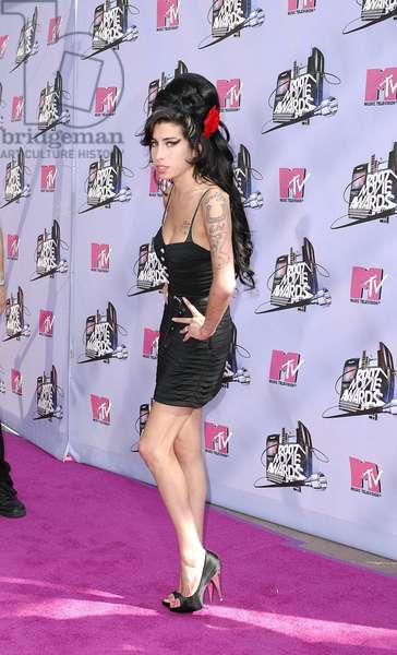 Amy Winehouse at arrivals for 2007 MTV MOVIE AWARDS - ARRIVALS, Gibson Amphitheatre at Universal Studios, Universal City, CA, June 03, 2007. Photo by: Michael Germana/Everett Collection