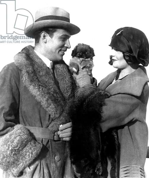 Rudolph Valentino, Natasha Rambova arriving from Europe on the Aquitania, 11/13/23