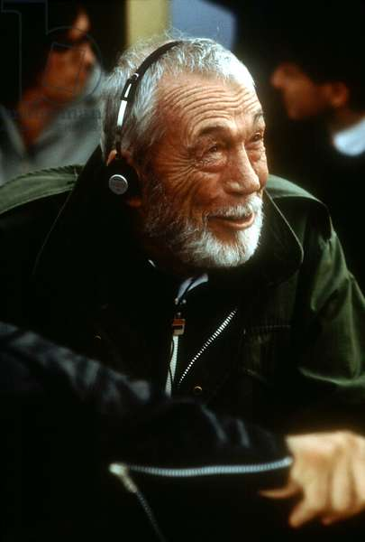 PRIZZI'S HONOR, John Huston, 1985, headset