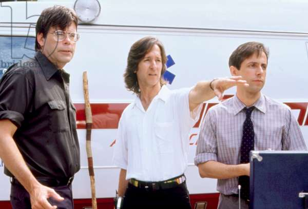 SLEEPWALKERS, writer Stephen King (left), director Mick Garris (center), on set, 1992. ©Columbia Pictures/Courtesy Everett Collection
