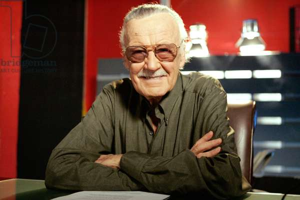 WHO WANTS TO BE A SUPERHERO?, Stan Lee, 'Day 13: Dog Challenge & Action Figures', (Season 2), 2006-. photo: Vivian Zink / © Sci-Fi Channel / courtesy everett collection