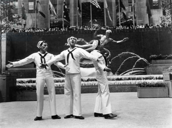ON THE TOWN, from left: Frank Sinatra, Jules, Munshin, Gene Kelly, 1949: ON THE TOWN, from left: Frank Sinatra, Jules, Munshin, Gene Kelly, 1949