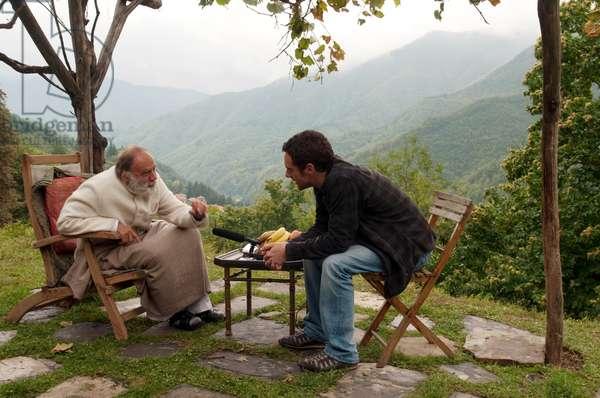 THE END IS MY BEGINNING, from left: Bruno Ganz, Elio Germano, 2010. ©Universum Film/Courtesy Everett Collection