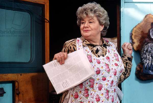 JURY DUTY, Shelley Winters, 1995, (c) TriStar/courtesy Everett Collection