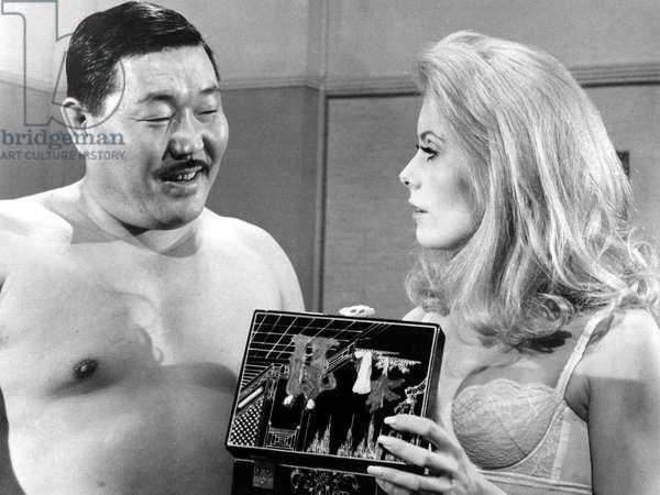 BELLE DE JOUR, Iska Khan, Catherine Deneuve, 1967