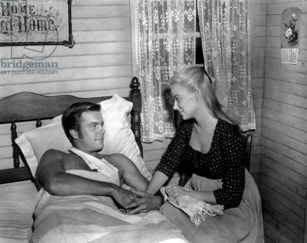 Le Brigand bien aime: THE TRUE STORY OF JESSE JAMES, Robert Wagner, Hope Lange, 1957. TM and Copyright © 20th Century Fox Film Corp. All rights reserved. Courtesy: Everett Collection.