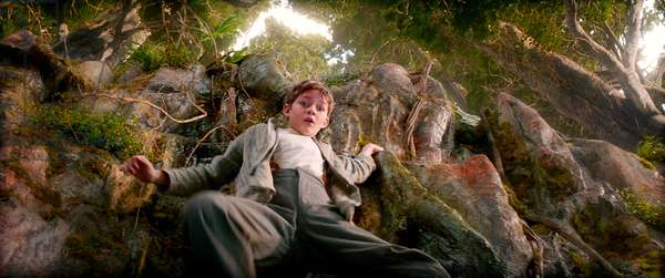 PAN, Levi Miller as Peter Pan, 2015. © Warner Bros. Pictures / courtesy Everett Collection