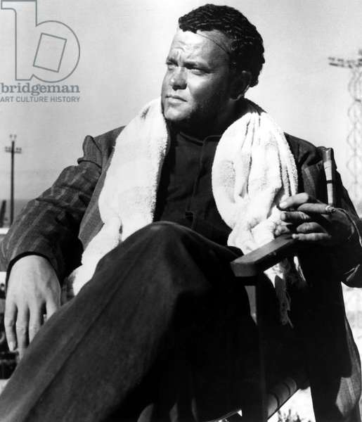 THE TRAGEDY OF OTHELLO: THE MOOR OF VENICE, Orson Welles on set directing in Morocco, 1952.