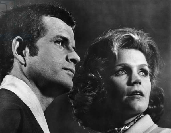 A SEVERED HEAD, Ian Holm, Lee Remick, 1970