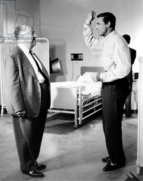 NORTH BY NORTHWEST, director Alfred Hitchcock, Cary Grant on set, 1959