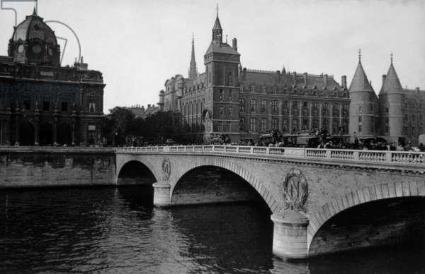 Paris : Pont Neuf: Pont Neuf, Paris, c. 1910.
