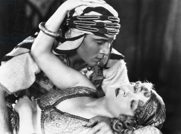 THE SON OF THE SHEIK, Vilma Banky, Rudolph Valentino, 1926