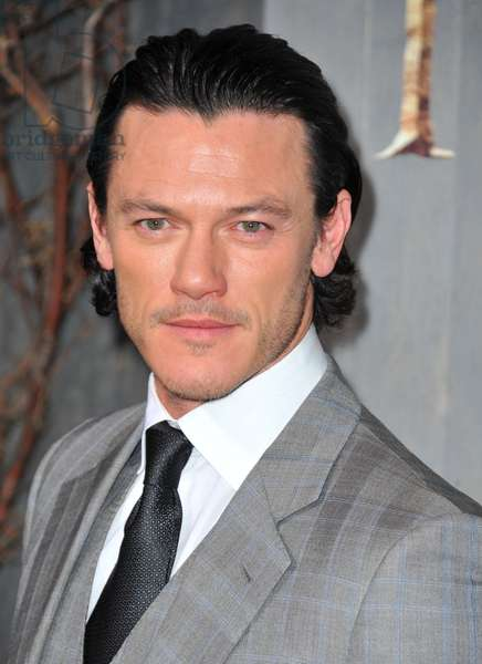 Luke Evans at arrivals for THE HOBBIT: THE DESOLATION OF SMAUG Premiere, Dolby Theater, Los Angeles, CA December 2, 2013. Photo By: Dee Cercone/Everett Collection