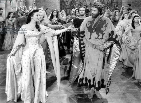 Les chevaliers de la table ronde: KNIGHTS OF THE ROUND TABLE, from left: Ava Gardner, Mel Ferrer, 1953