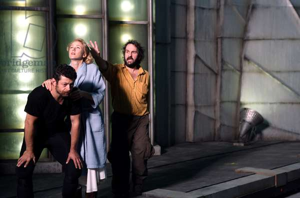 KING KONG, Andy Serkis, Naomi Watts, Director Peter Jackson, on set, 2005, (c) Universal/courtesy Everett Collection