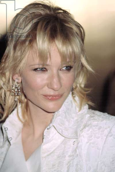 Cate Blanchett at VH1 VOGUE FASHION AWARDS, NY 10/15/2002, by CJ Contino
