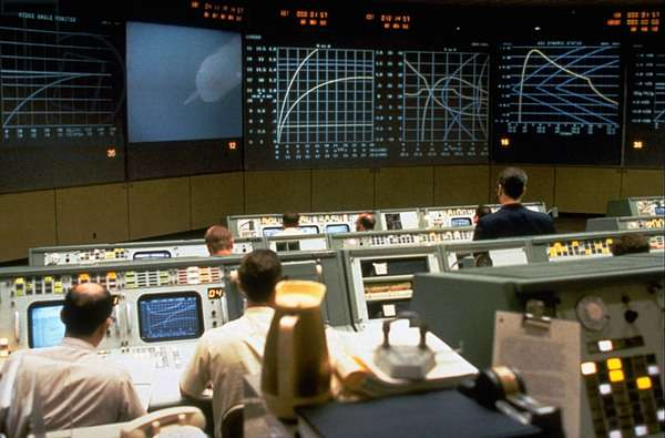 Apollo 13, 1995, (C) Universal/Courtesy Everett Collection