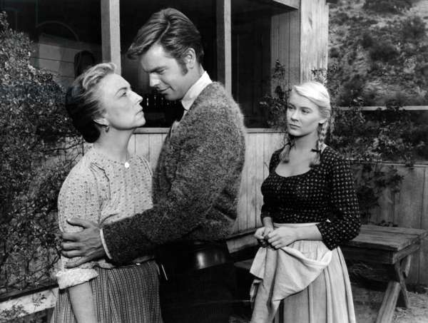 Le Brigand bien aime: THE TRUE STORY OF JESSE JAMES, Agnes Moorehead, Robert Wagner, Hope Lange, 1957. TM and Copyright © 20th Century Fox Film Corp. All rights reserved. Courtesy: Everett Collection.