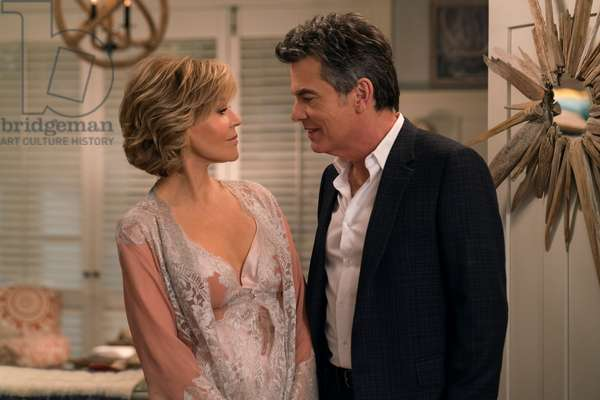 GRACE AND FRANKIE, from left: Jane Fonda, Peter Gallagher, 'The Expiration Date', (Season 4, ep. 404, aired January 19, 2018). photo: Melissa Moseley / ©Netflix / courtesy Everett Collection