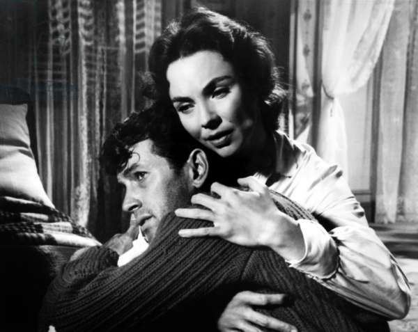 L'Adieu aux armes (1957): A FAREWELL TO ARMS, Rock Hudson, Jennifer Jones, 1957. TM and Copyright © 20th Century Fox Film Corp. All rights reserved. Courtesy: Everett Collection.